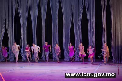 20190318174906_02 - dance rosas rain ©   anne-van-aerschot