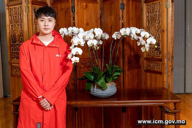 20190524090742_03-第三十届澳门艺术节《二  马》传媒见面会-演员于谷鸣