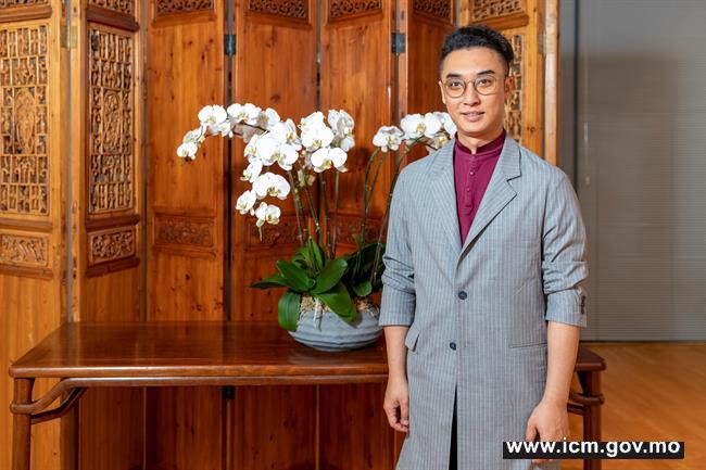 20190524090742_04-第三十届澳门艺术节《二  马》传媒见面会-演员刘欣然