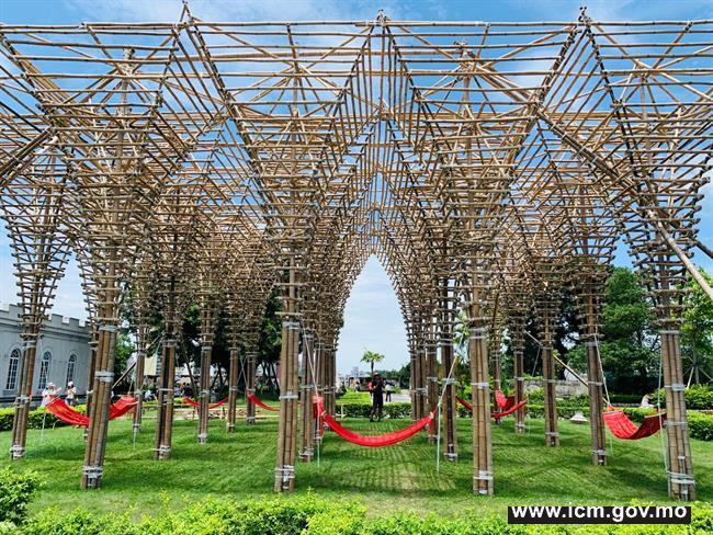 """20190610100208_05-本地建築師、設計師及藝術家蘇若翰和孟麗泰設計之臨時竹結構""""聖殿"""""""