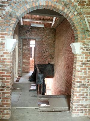 主樓進行內部裝修