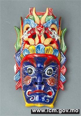 卢家大屋展演贵州木雕面具及民族娃娃迎盛夏